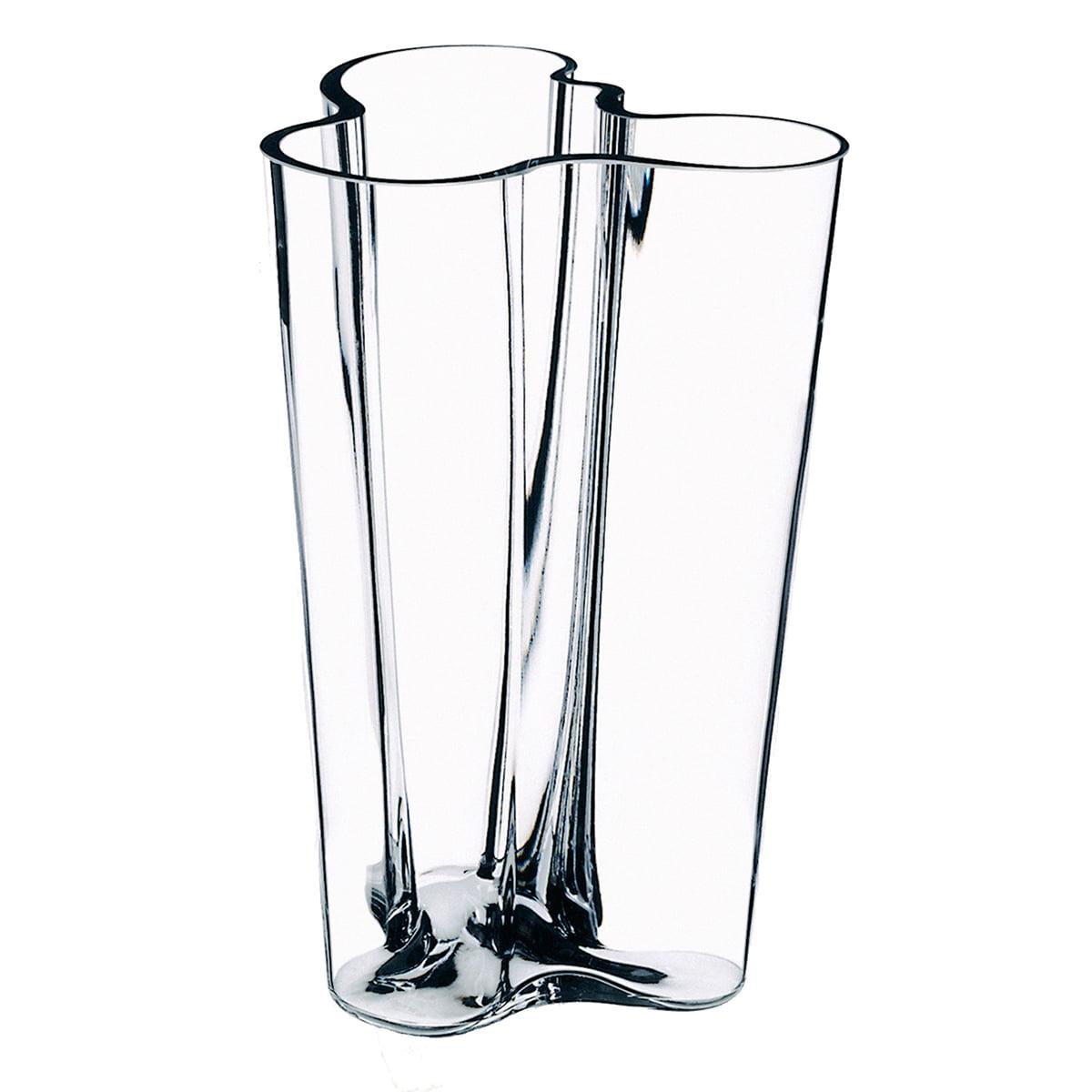 Aalto vase finlandia by iittala in the shop aalto finlandia vase by iittala made from clear glass reviewsmspy