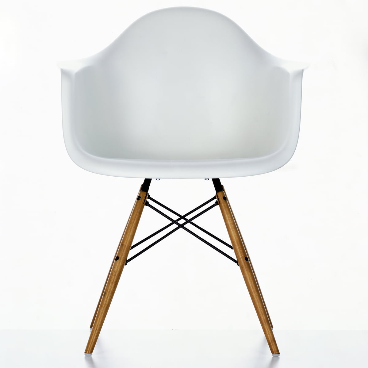 Eames plastic armchair daw by vitra for Eames chair vitra replica