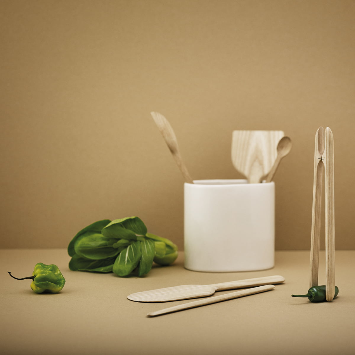the easy tongs from rig tig by stelton. Black Bedroom Furniture Sets. Home Design Ideas