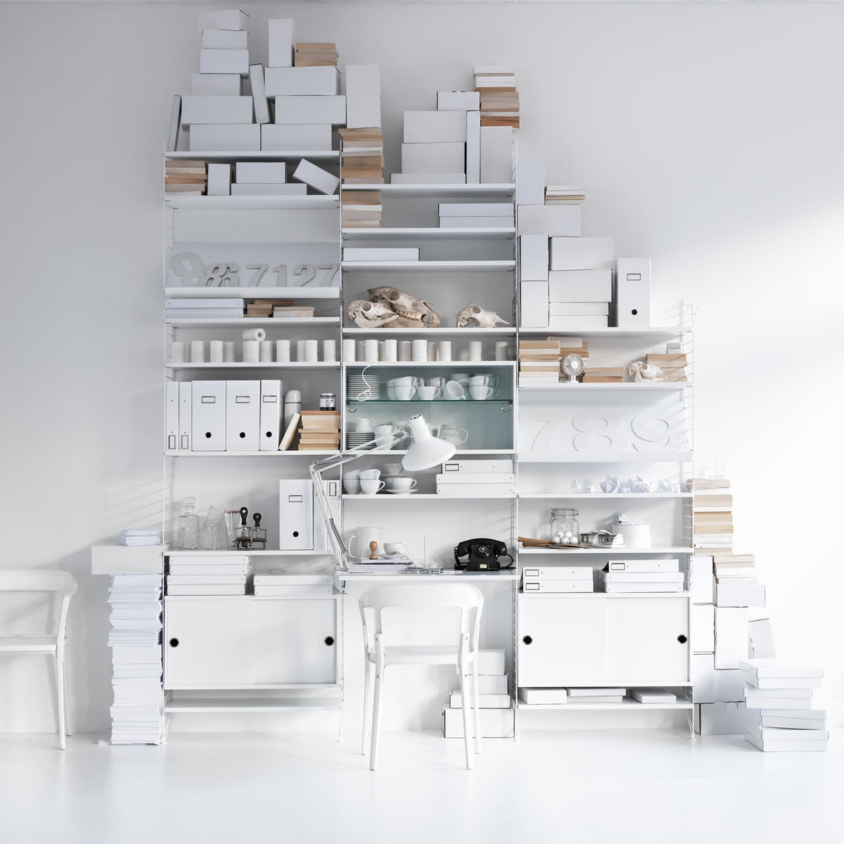 shelving system by string connox shop. Black Bedroom Furniture Sets. Home Design Ideas