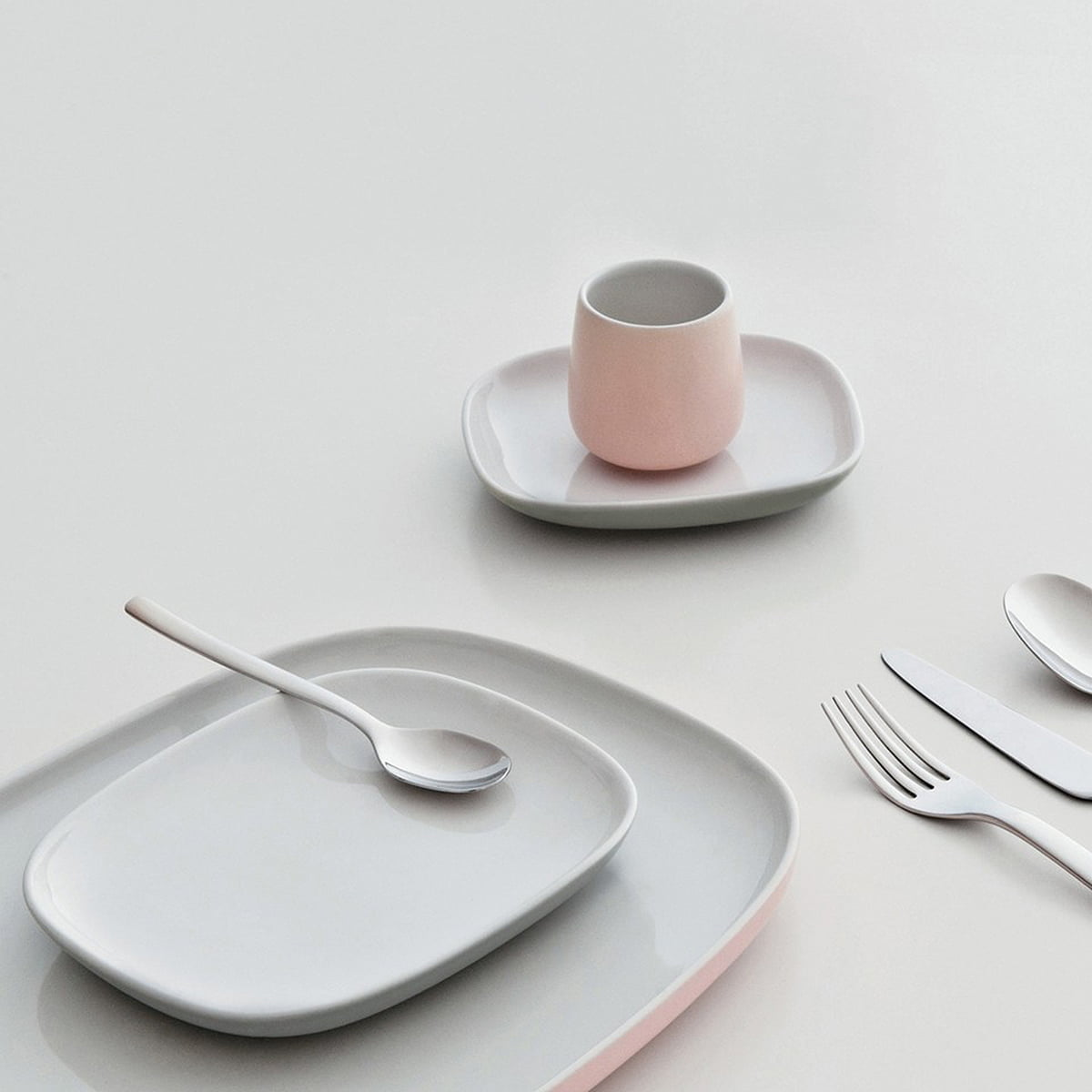 Ovale Tableware Collection with Cutlery & Ovale Dinner Plate by Alessi in the shop