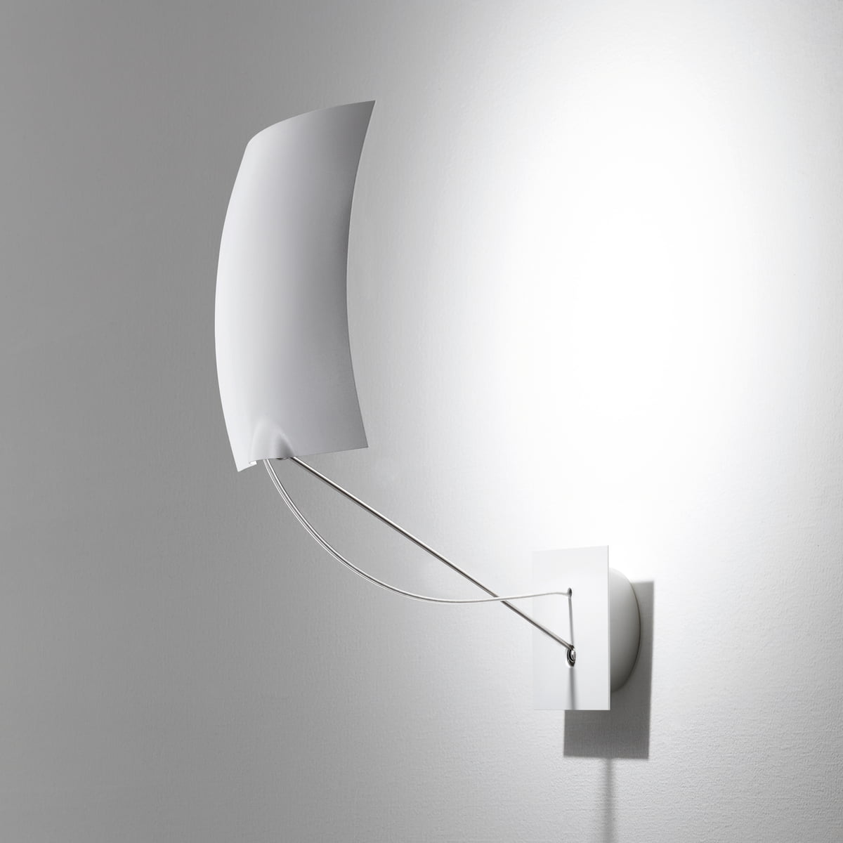 18 x 18 wall lamp by ingo maurer in the shop. Black Bedroom Furniture Sets. Home Design Ideas