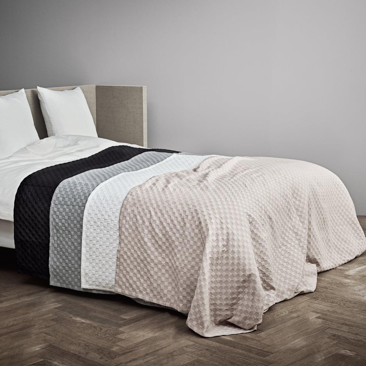 caro bedspread by juna connox shop. Black Bedroom Furniture Sets. Home Design Ideas