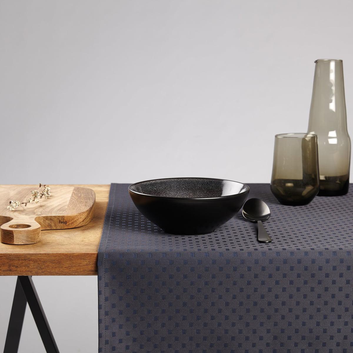snowflakes table runner by georg jensen damask. Black Bedroom Furniture Sets. Home Design Ideas