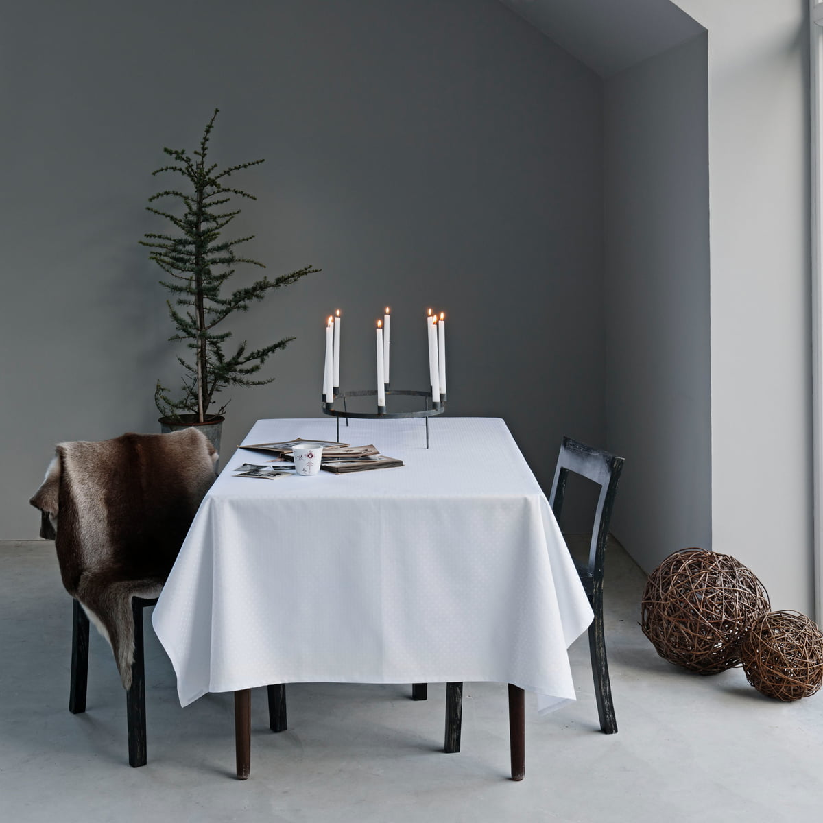 snowflakes tablecloth by georg jensen damask. Black Bedroom Furniture Sets. Home Design Ideas