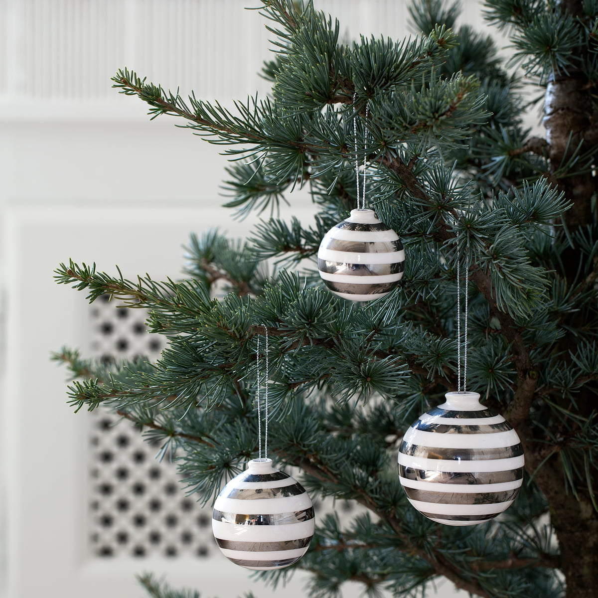Bauhaus Christbaumkugeln.Kähler Design Omaggio Christmas Tree Baubles Nacre Set Of 3
