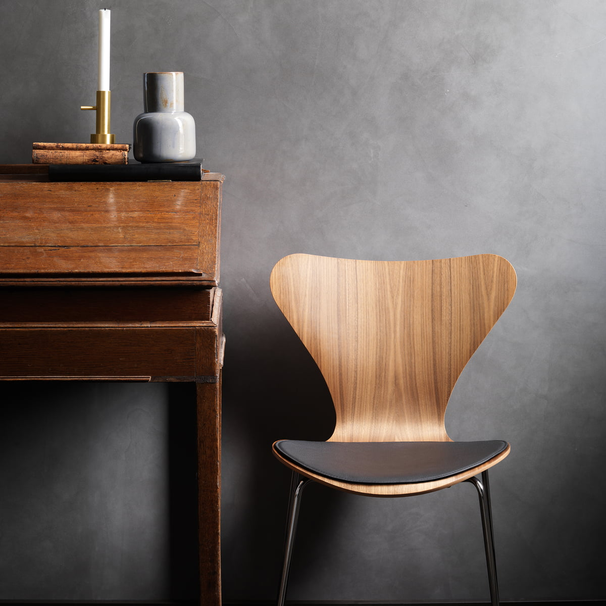 series 7 natural by fritz hansen in the shop. Black Bedroom Furniture Sets. Home Design Ideas