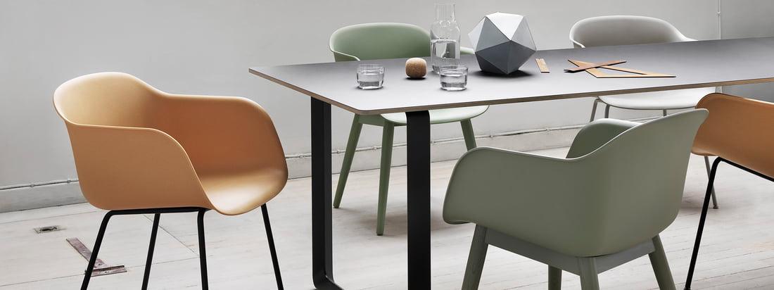 Muuto ist ein junges Unternehmen, das für klassisches skandinavisches Design steht. Muuto-Produkte, wie der Fiber Chair oder die Dots Wandhaken, sind sehr gefragt.