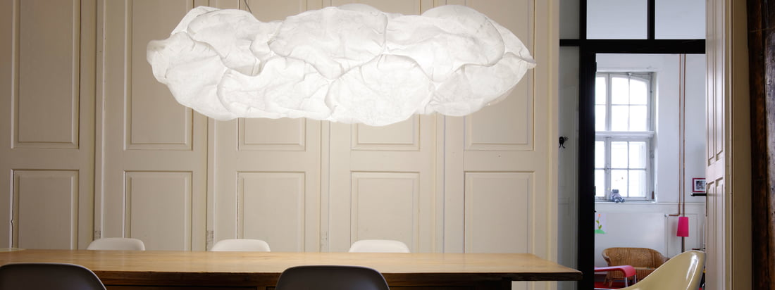 Belux is a lamp manufacturer from Switzerland. Together the Cloud Lamps look like a white, fluffy cloud, floating in the room. Available in the Connox shop.