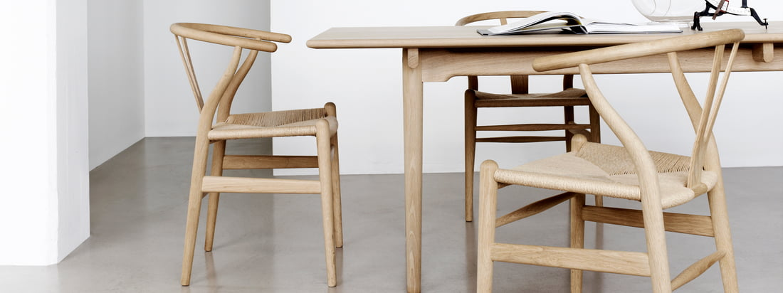 The manufacturer Carl Hansen & Søn represents Danish craftsmanship. The CH24 Wishbone Chair is made of high quality produced wood as well as the other furniture.