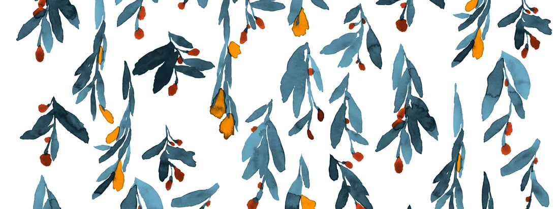 The delicate watercolor colors of the flowers and leaves seem to run smoothly and give the Hyhmä pattern by Marimekko such a dynamic expression.