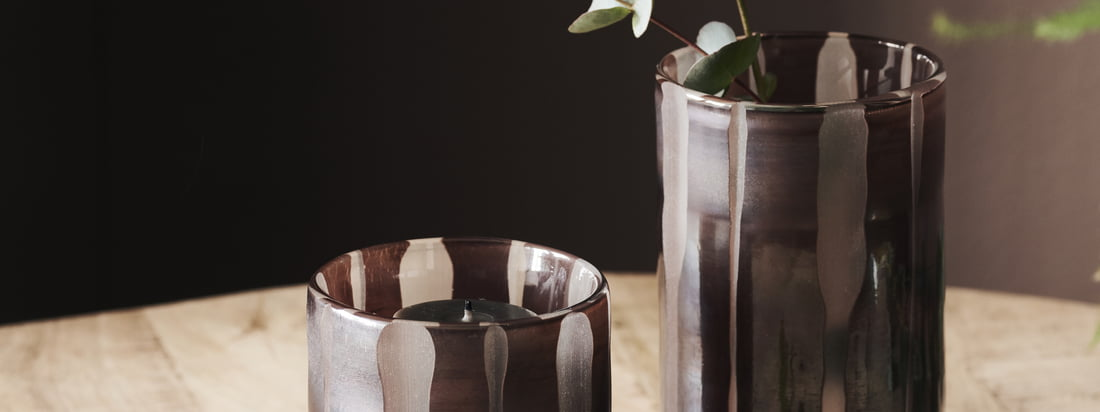 Bai tea light holder / vase, brown by House Doctor in the Ambiente view. The different sizes of the tea light holder can be excellently combined with each other.