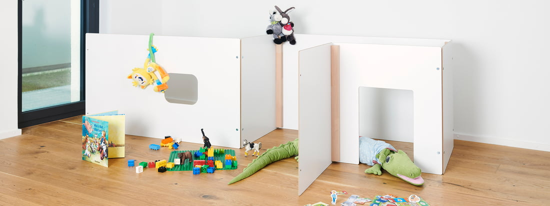 The Kids collection by Tojo convinces with multifunctional and well thought-out furniture. The simple design and the mix of white and natural wood fits harmoniously into any children's room.