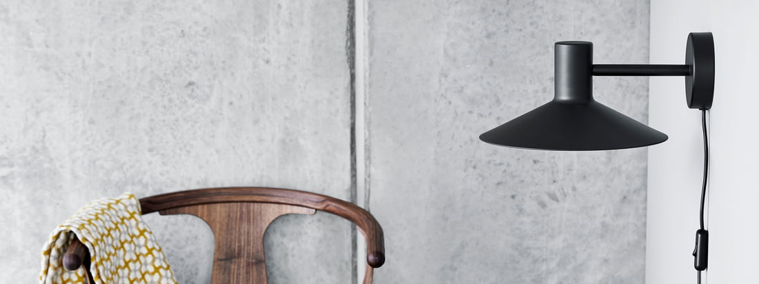 The Minneapolis series by Frandsen inspires with its unique, clear design language. Characteristic is the large and flat lampshade, which almost seems Japanese.