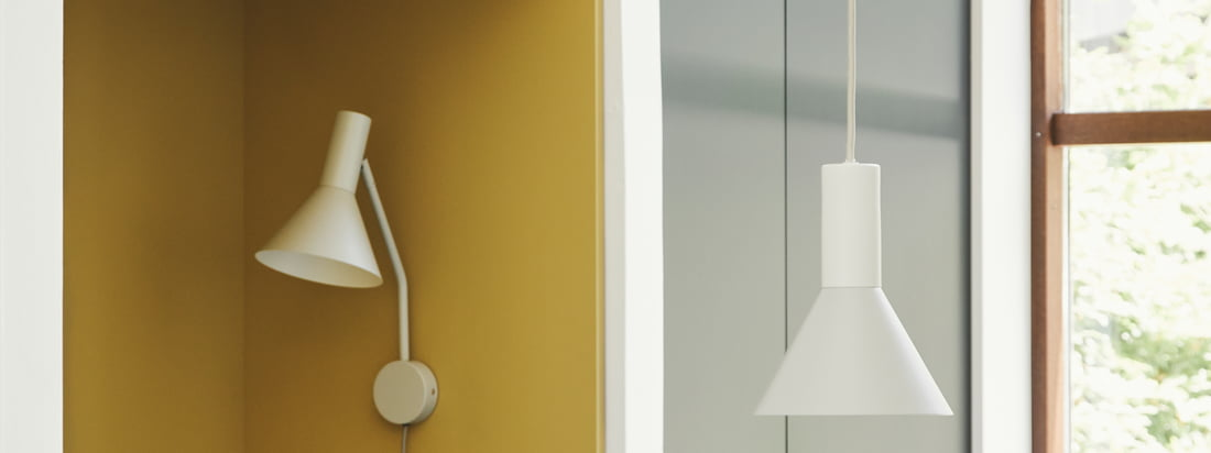 Designed by Toni Rie, Head of Design at Frandsen, the Lyss lamp is timeless and practical. The lampshade can be moved freely via the joint between shade and arm, the lamp itself is equipped with a stylish textile cable.