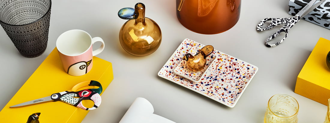 The cheerful Oiva Toikka collection by Iittala includes a variety of different products with numerous playful patterns that can be wonderfully combined.