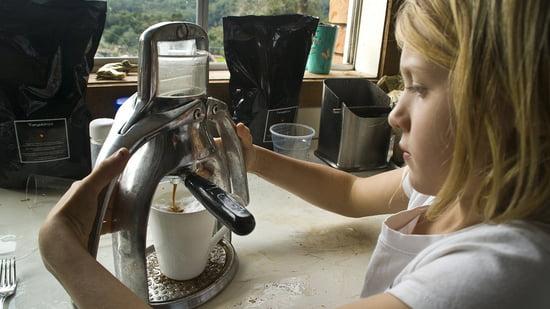 Easy operation of the ROK Espresso machine.