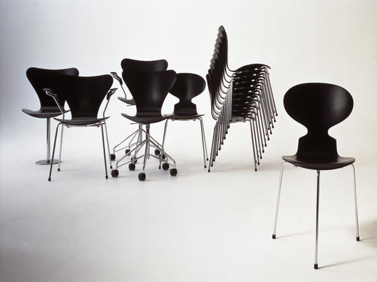 In 1952 the chair the Ant by Arne Jacobsen appeared at Fritz Hansen, which is, despite its minimalist form and graceful shape an exceptionally comfortable chair.