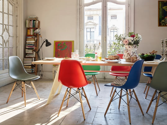 The Plastic Side Chair DSW By Charles U0026 Ray Eames Now Convinces In Basic  Dark,