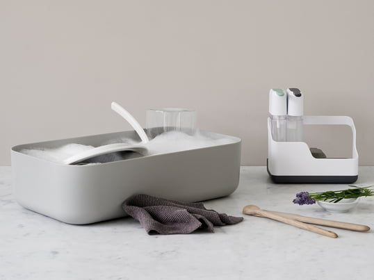 The Dishy Washing-up Bowl and Draining Board by Rig-Tig by Stelton was designed by the Scandinavian designer Jens Fager and is a popular companion in the rinsing area.