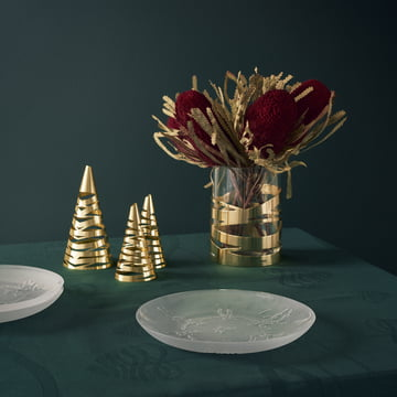 A Family Christmas Plate and Tangle Christmas Tree by Stelton