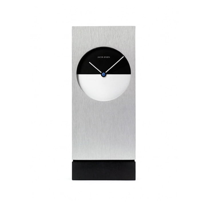 Accessories No 03 Clocks: Classic Desk Clock