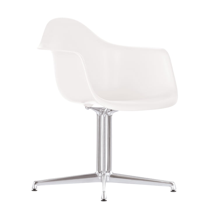 Eames Plastic Armchair DAL by Vitra in white with felt glides