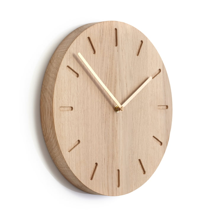applicata watch out wall clock made of oak. Black Bedroom Furniture Sets. Home Design Ideas