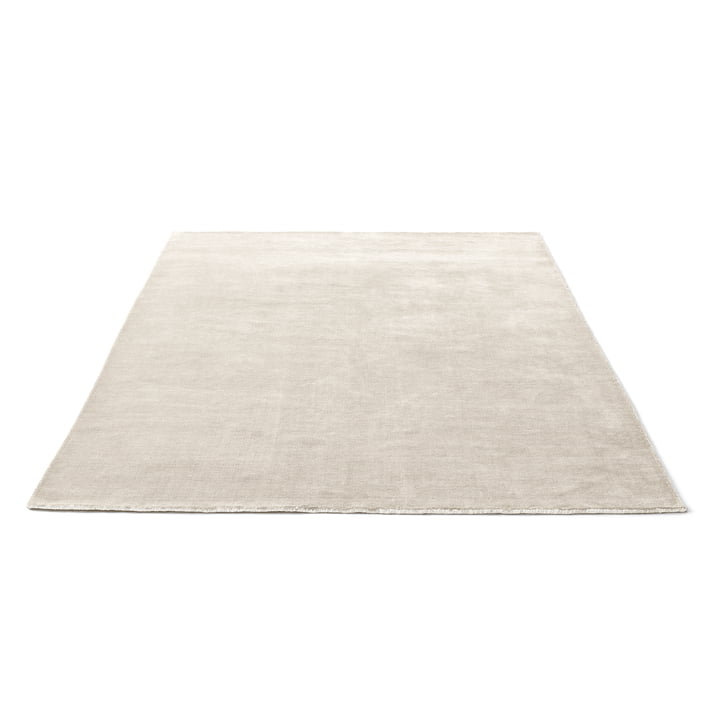 The &Tradition The Moor Rug AP7 with a size of 200 x 300cm in beige dew