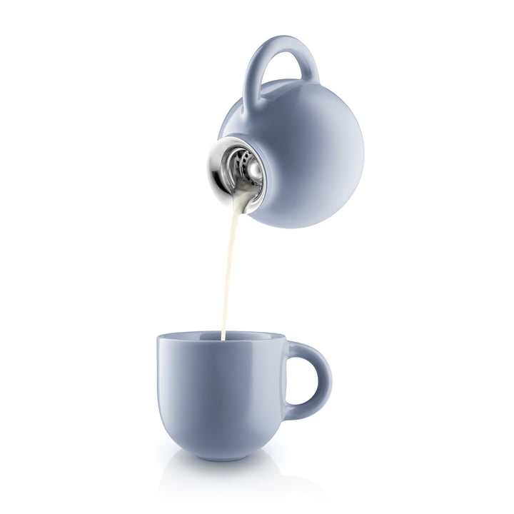 Globe Milk Jug and Cup in Nordic Blue