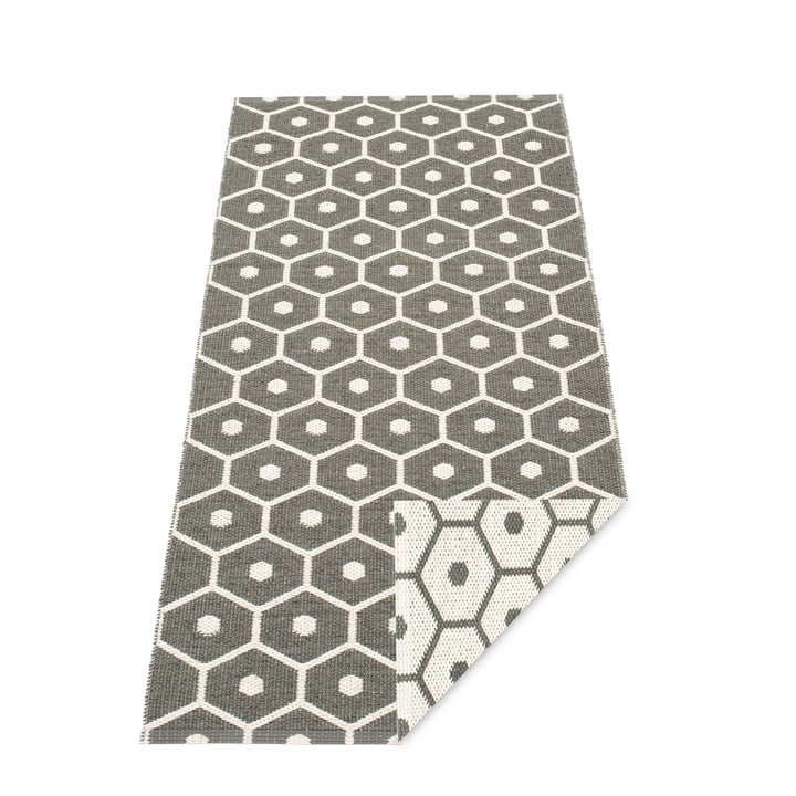 Honey Rug 70 x 160 cm by Pappelina in Charcoal / Vanilla