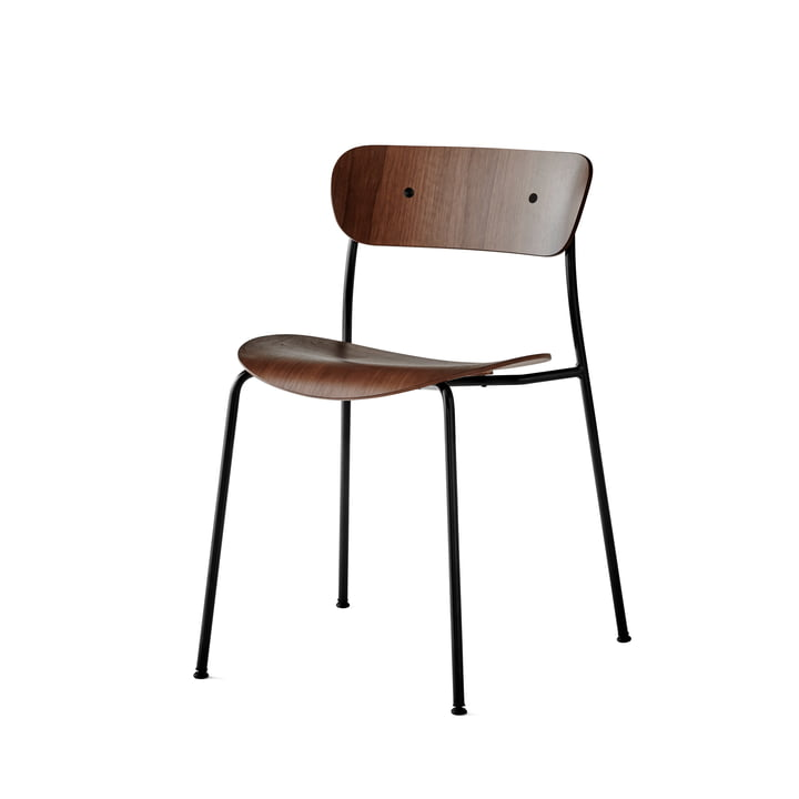 &Tradition - Pavilion Chair by &Tradition with Black Base / Lacquered Walnut