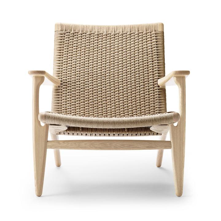 CH25 armchair from Carl Hansen in oak soap / nature