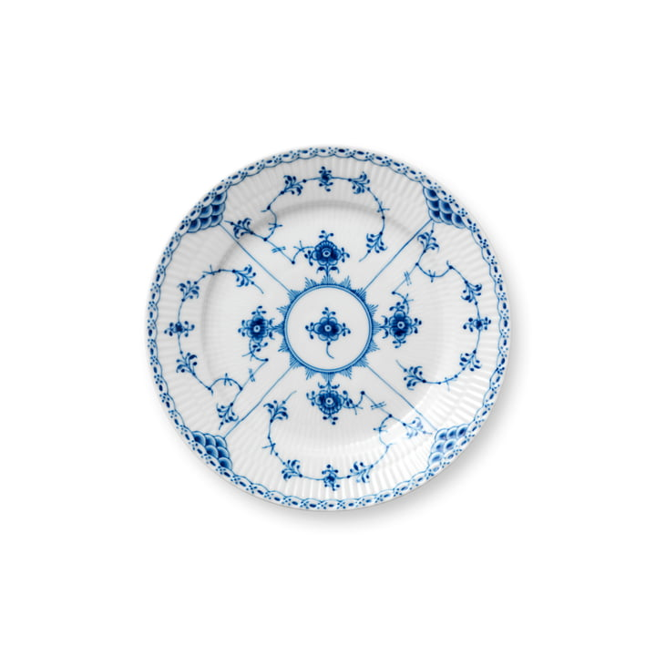 Musselmalet half-tip plate flat, Ø 19 cm in white / blue by Royal Copenhagen