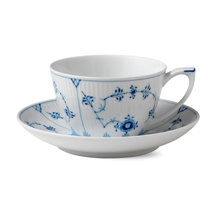 Musselmalet Ribbed cup and saucer 28 cl in white / blue from Royal Copenhagen