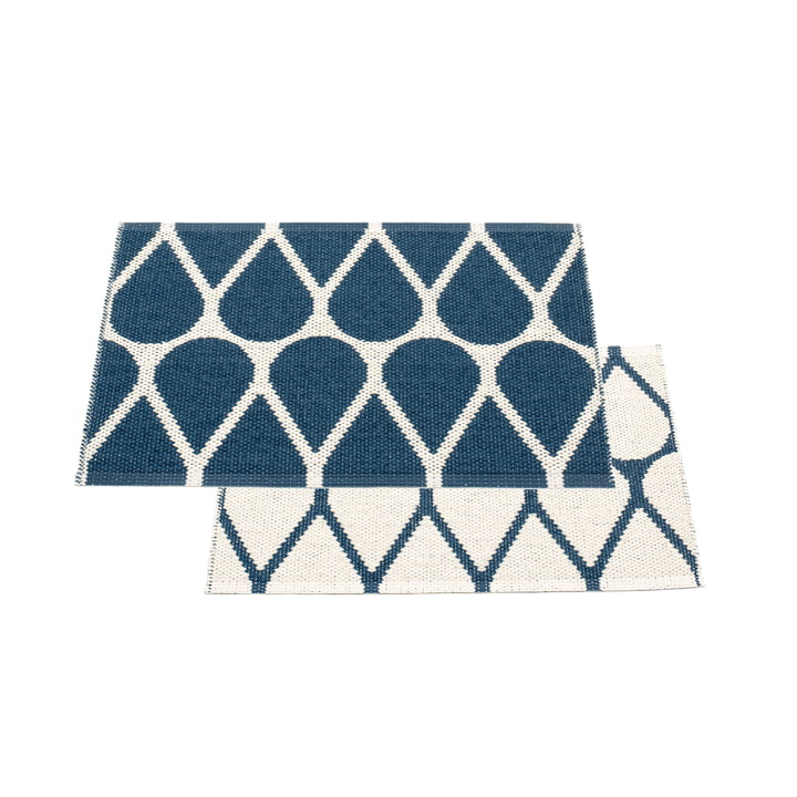 Otis reversible carpet, 70 x 50 cm in ocean blue / vanilla by Pappelina