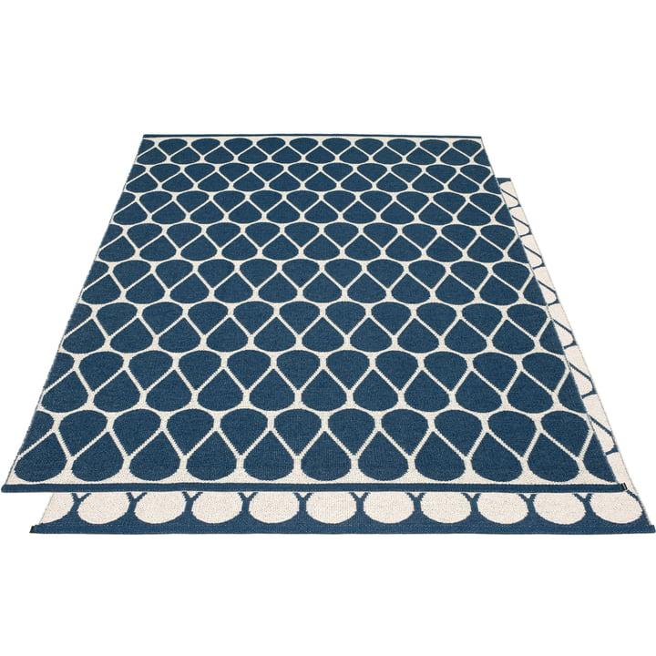 Otis reversible carpet, 180 x 275 cm in ocean blue / vanilla by Pappelina