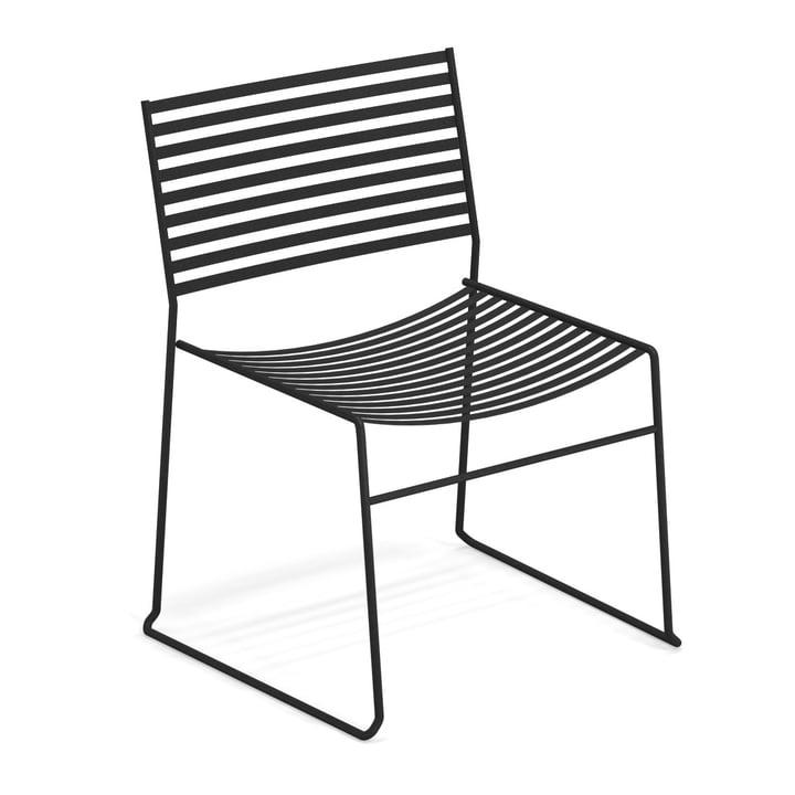 Aero lounge chair in black by Emu