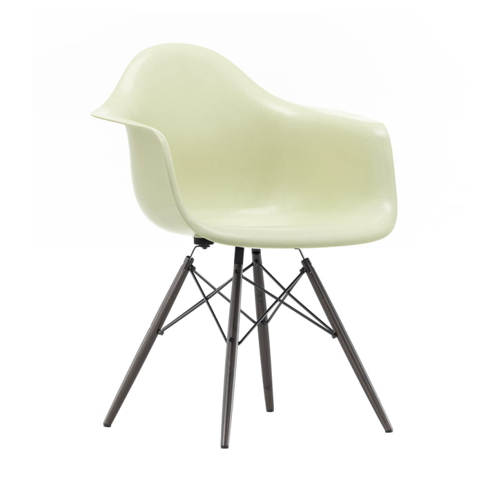 Eames Fiberglass Armchair DAW from Vitra in Maple black / Eames parchment