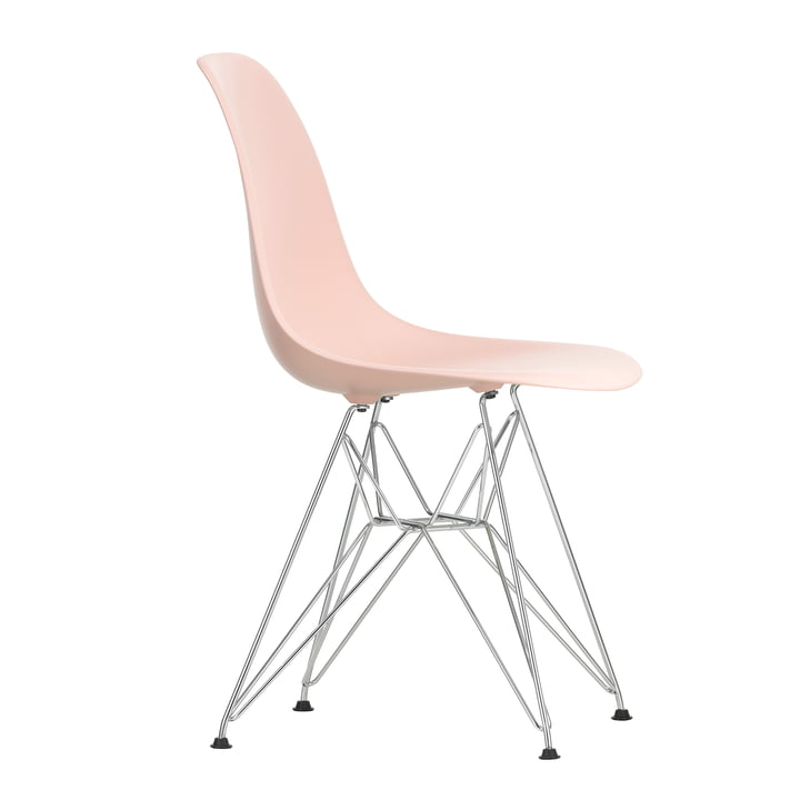 Eames Plastic Side Chair DSR by Vitra in chrome-plated / soft pink