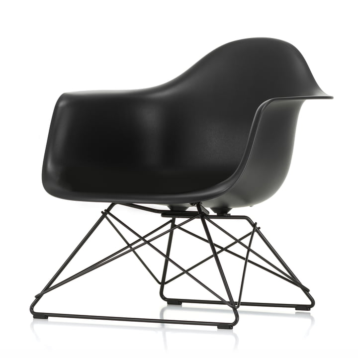 Eames Plastic Armchair LAR from Vitra in basic dark / deep black