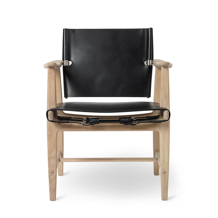 BM1160 Huntsman Chair in oak white oiled / saddle leather black (stainless steel fittings) by Carl Hansen