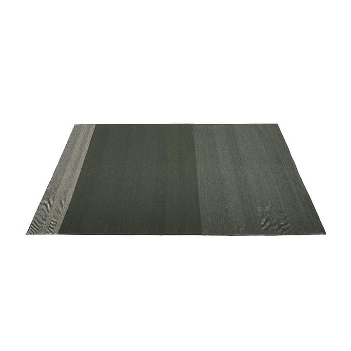Varjo Carpet 170 x 240 cm from Muuto in dark green