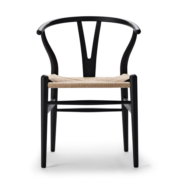CH24 Wishbone Chair from Carl Hansen in soft black / natural braid