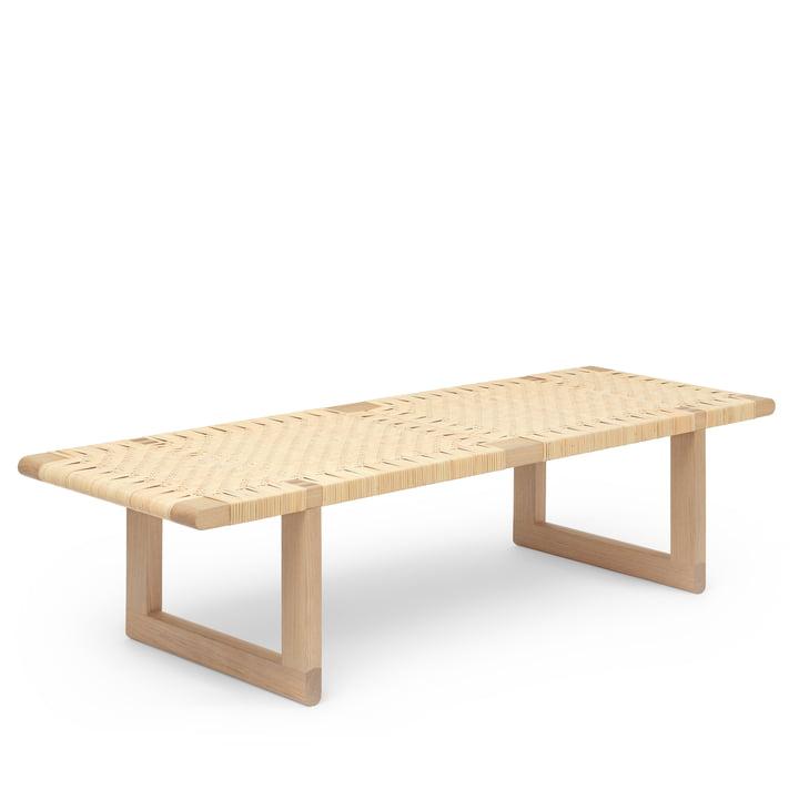 The BM0488 coffee table, oiled oak / wicker by Carl Hansen