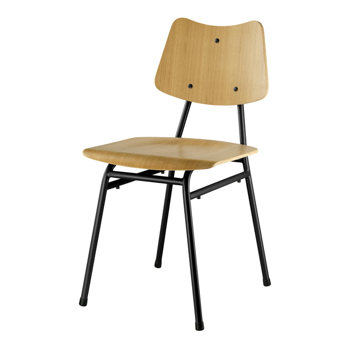 The J173 chair from FDB Møbler in natural oak / black