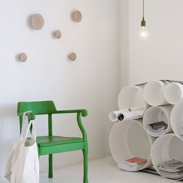 Stylish ambience with Muuto The Dots and the OTO 100 Shelf System