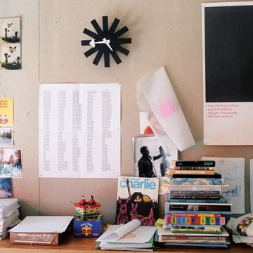 Vitra - Asterisk Clock, black / ambience image