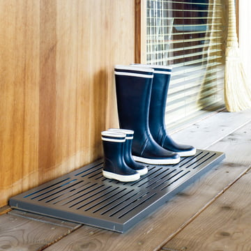 The drip shoe rack for small and large shoes