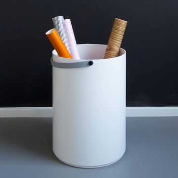 Ingenious stool with storage space